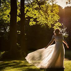 Wedding photographer Louise van den Broek (momentsinlife). Photo of 08.06.2017