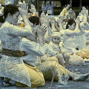 Praying by Agus Prasetya - People Group/Corporate