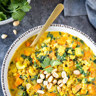 """Healthy Curried Cauliflower """"Rice"""" Soup."""