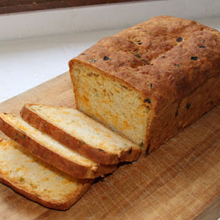 Kneadlessly Simple's Cheddar and Chiles Bread.