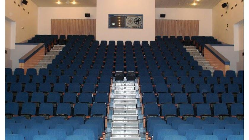 Patio de butacas de la sala de teatro del Teatro Municipal.