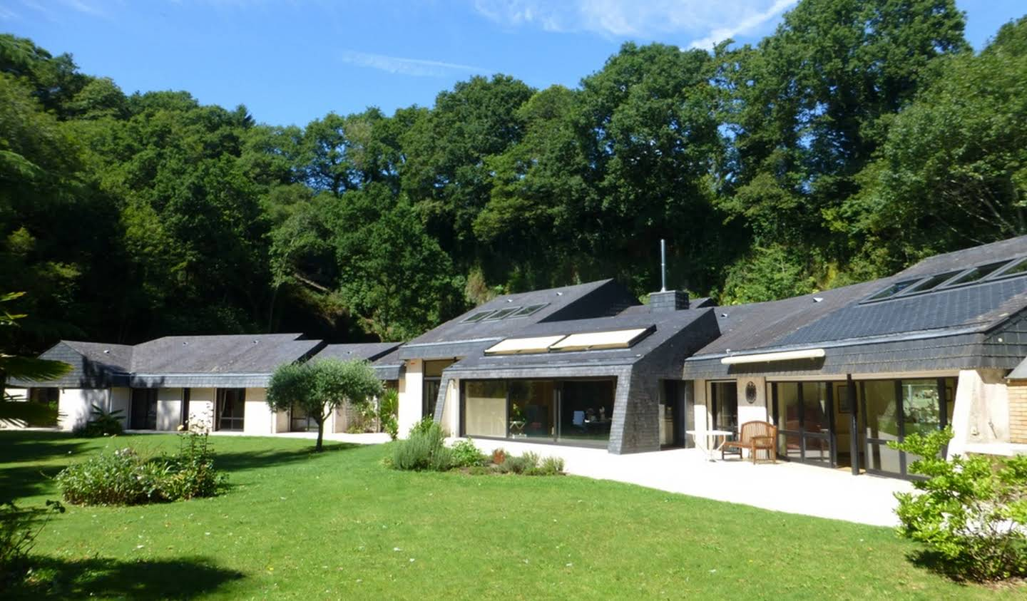 Property with pool and garden Quimper
