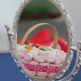 from the mirror by Patricia Dias - Food & Drink Candy & Dessert ( mirror, candy, sweets, food, gum )