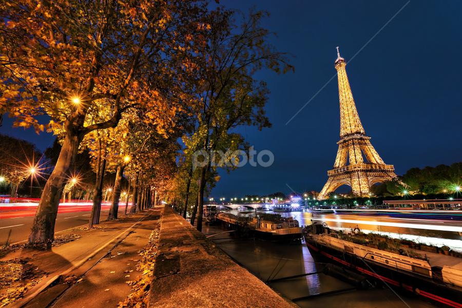 Eiffel Tower by Sebastien Gaborit - City,  Street & Park  Skylines