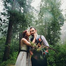 Wedding photographer Mikhail Batenev (mikebatenev). Photo of 04.07.2017