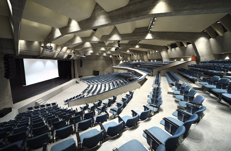 AUDITORIUM | SALLE MULTIFUNCTIONNELLE