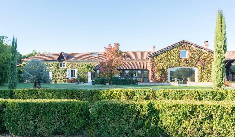 Propriété avec piscine et jardin Agonac