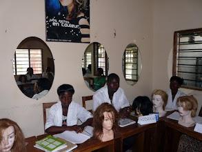 Photo: d'autres têtes ou tout matériel de coiffure seraient encore les bienvenus