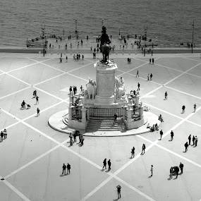 Little People.... by Vitor Silveira - City,  Street & Park  Historic Districts ( terreiro do paço, bw, lisbon, portugal, people )