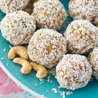 Coconut Cashew Energy Bites