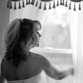 outlook by Jody Jedlicka - Wedding Getting Ready