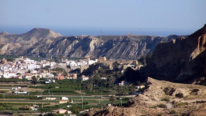 El núcleo urbano de Cuevas del Almanzora ronda los 7.000 habitantes.