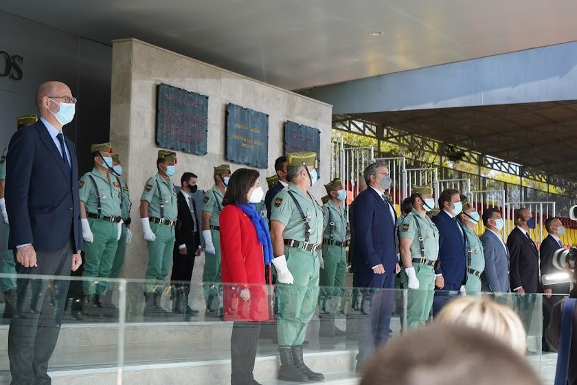 La ministra de Defensa visita a la Legión