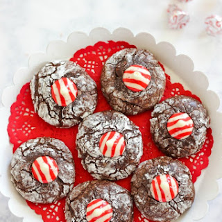 Peppermint Kiss Crinkle Cookies - A Classic Christmas Cookie