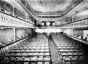 Photo: Platéia e camarotes do antigo Teatro D. Pedro, atual Teatro Municipal Paulo Gracindo, hoje já bastante modificado. Foto sem data
