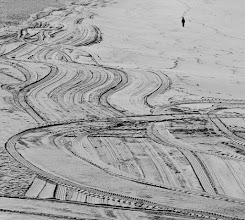 Photo: During a walk, this morning, I saw these lines on the beach. I wonder if the tractor's driver was aware of the drawings he was creating :)