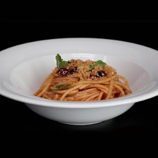 Spaghetti with Anchovies, Olives, and Capers (Spaghetti e Acciughe)