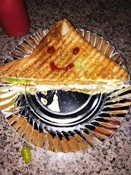 Honest Restaurant photo 1