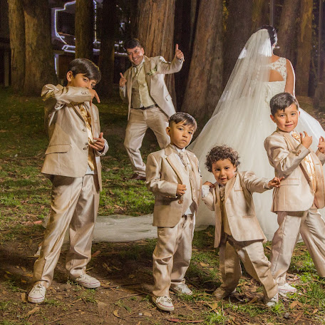Wedding photographer Henry Unigarro (HenryUnigarro). Photo of 02.02.2018