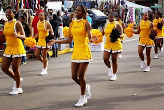 Photo: Happy Cougar cheerleaders