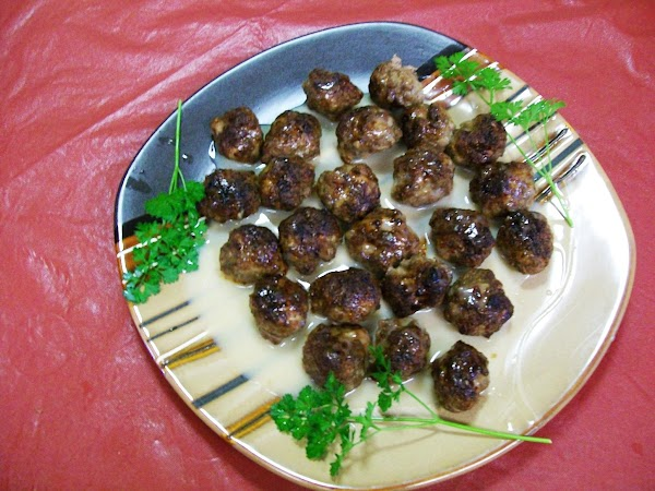 To serve, place meatballs in plate and spoon the sauce over them. 5 meatball...