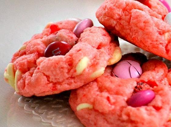 Strawberry & White Chocolate Cake Mix Cookies Recipe