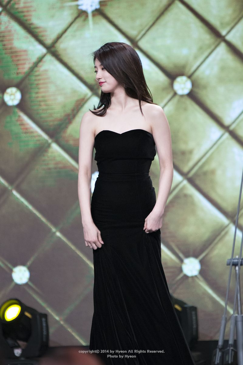suzy gown 35