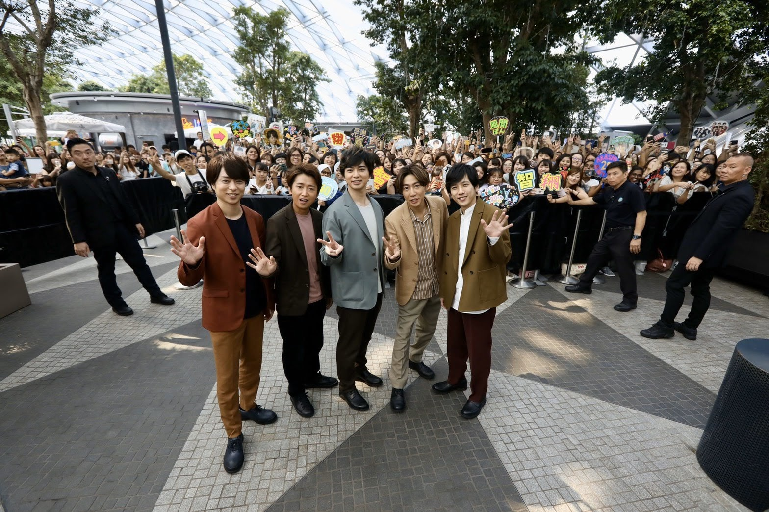 [迷迷音樂] ARASHI 嵐 「JET STROM」順利結束 團員感動:「沒想到在國外也有如此多的人支持我們,實在開心到不行」