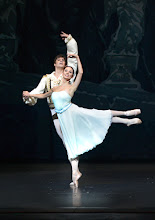 Photo: DER NUSSKNACKER - Ballettpremiere an der Wiener Staatsoper. Premiere 7.10. 2012, Choreographie: Rudolf Nurejew.Vladimir Shishnov, Liudmila Konovalenko. Foto Barbara Zeininger