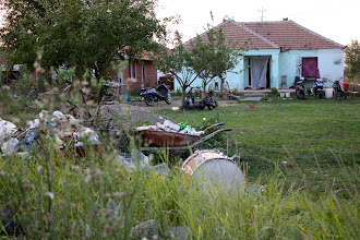 Photo: typical for the mahala: houses with big gardens