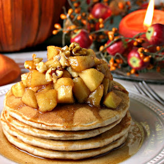 Apple Cinnamon Pancakes {#nationalpancakeday}
