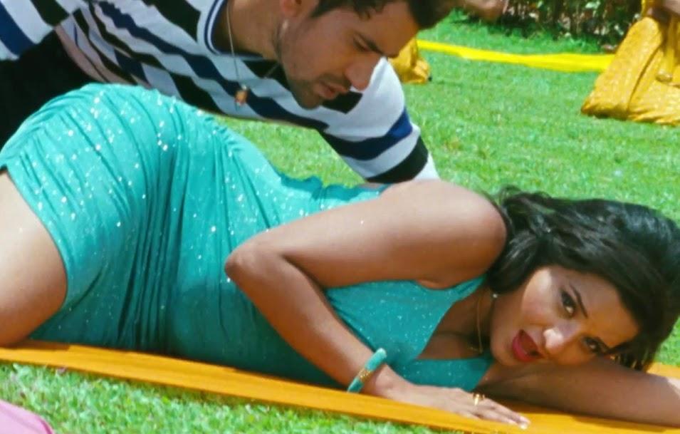 Bhojpuri Actress Monalisa lips