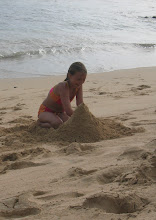 Photo: Ei 10-vuotias ole vielä liian vanha rakentamaan hiekkalinnoja