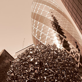 steely view of 'The Gherkin' by Gargy Priya - Buildings & Architecture Office Buildings & Hotels