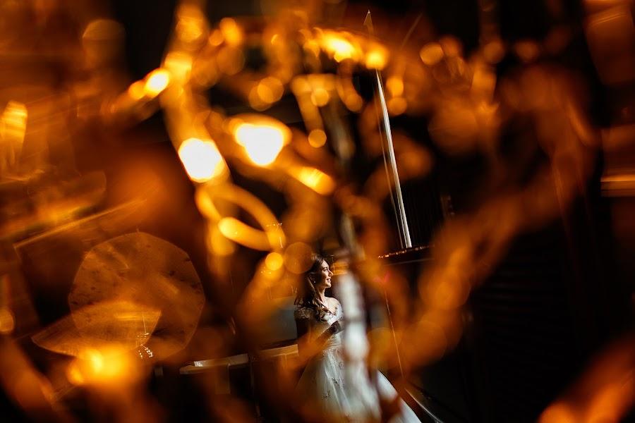 Wedding photographer Marius Barbulescu (mariusbarbulesc). Photo of 02.12.2015