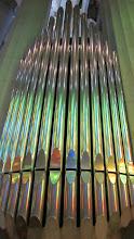 Photo: El órgano que de música a la misas y celebraciones
