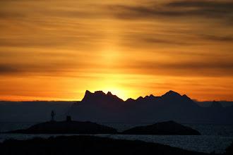 Photo: Morgendämmerung und leichte Lichtsäule