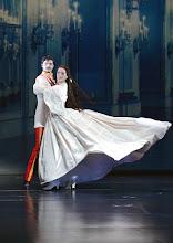 """Photo: MUSICAL """"ELISABETH"""" im Wiener Raimundtheater. Premiere 5.9.2012. Inszenierung Harry Kupfer. Franziskus Hartenstein, Annemieke van Dam. Foto: Barbara Zeininger"""