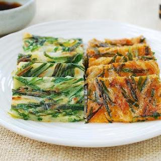 Buchjeon (Garlic Chive Pancakes)
