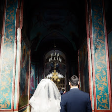Wedding photographer Konstantin Antonov (fotoburg). Photo of 14.12.2016