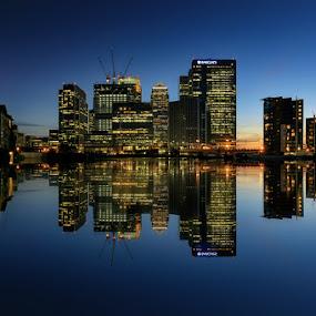Canary Wharf by Luca Libralato - City,  Street & Park  Skylines ( skyline, england, london, canary wharf, reflections, united kingdom )