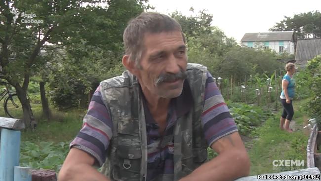 Мешканець білоруського села Володимир Гунько стверджує, що ніяких автомобілів до України не ввозив