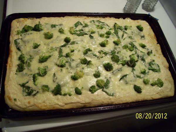 Easy Spinach Broccoli Pizza Recipe