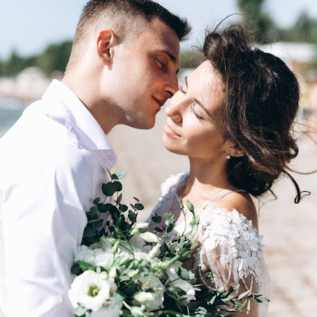Wedding photographer Artur Grabovskiy (Grabovsky). Photo of 21.10.2017