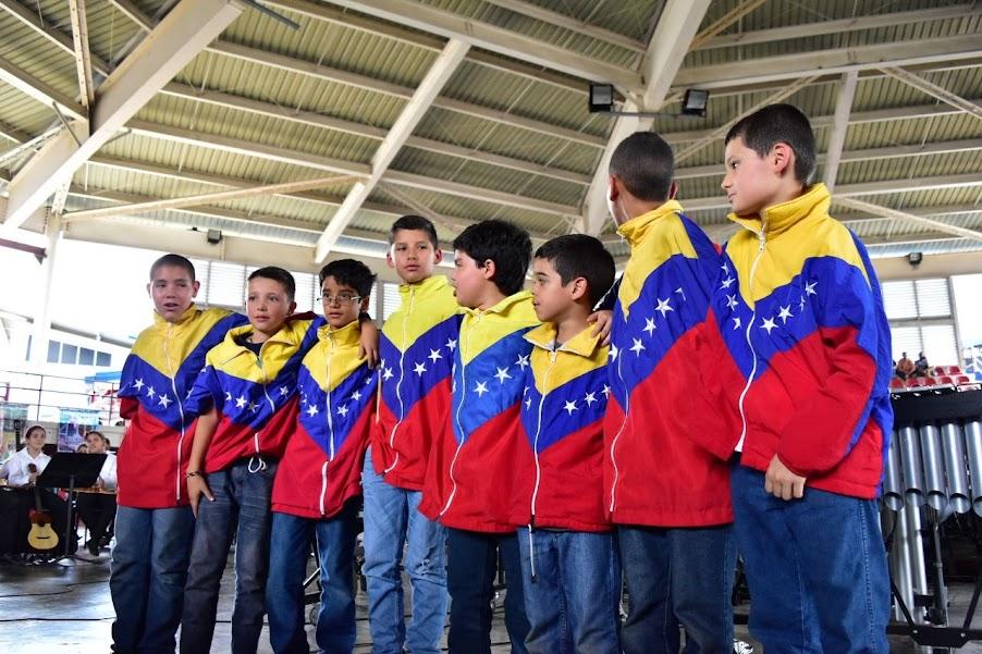 El Ensamble de Percusión de la Sinfónica Nacional Infantil de Venezuela, selección 40 Aniversario, respondió al recibimiento de las agrupaciones del estado Guárico con una descarga de su Ensamble de Percusión