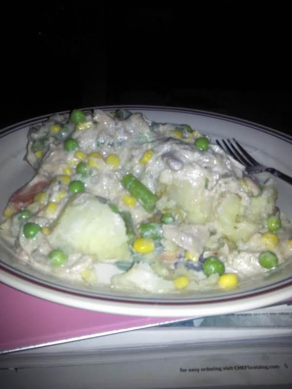 The Easiest Slow Cooker Chicken Gravy Recipe