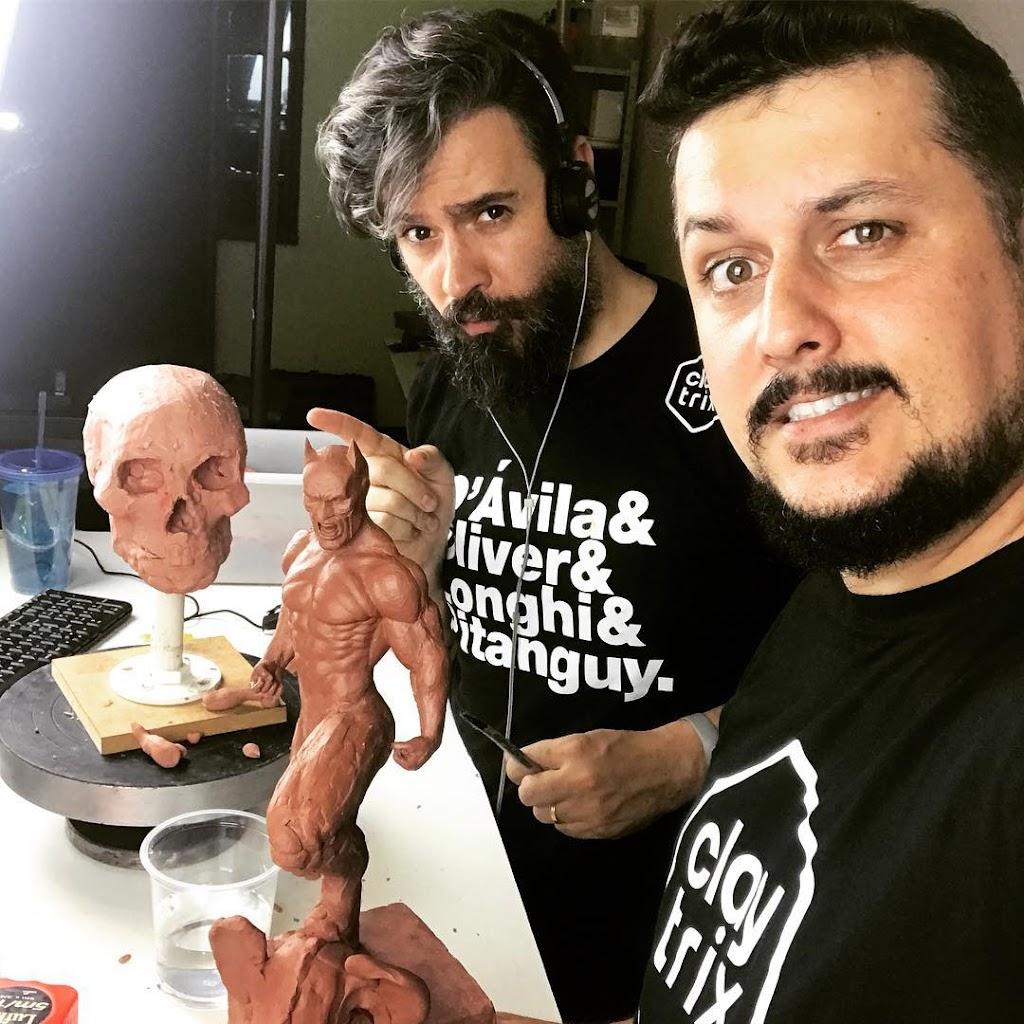 Claytrix - Igor Gosling e Ricardo Junqueira esculpindo - Curso Anatomia do Herói - Escultura Para Iniciantes