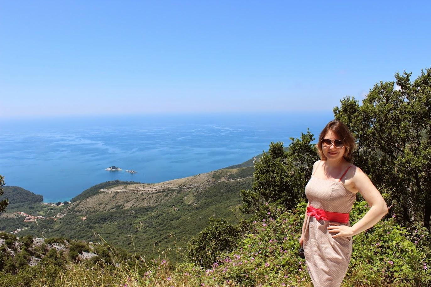 Вид на море с горы над Петровацем