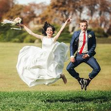 Wedding photographer Dmitriy Burgela (djohn3v). Photo of 02.11.2017