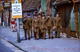 Photo: sowjetische Offiziere in der DDR